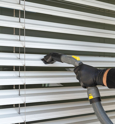 Blinds-Cleaning-lutwyche