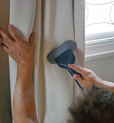 Curtains-Cleaning-annerley
